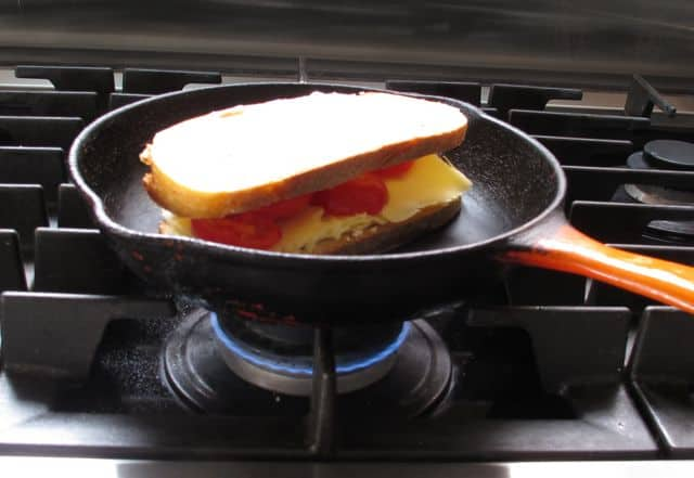 grilled cheese, cheese, cooking