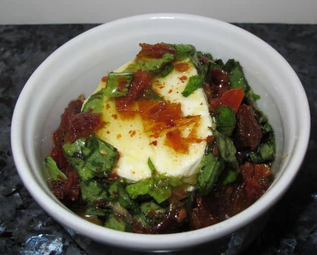 basil, sun-dried tomatoes, olive oil, garlic, goat cheese, spread, appetizer