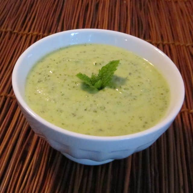 summer, chilled soup, cold soup, zucchini, mint, yogurt, lemon, refreshing, easy recipe, simple cold soup