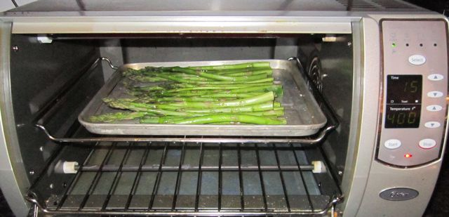 otaster oven to roast vegetables, roasting asparagus in toaster oven