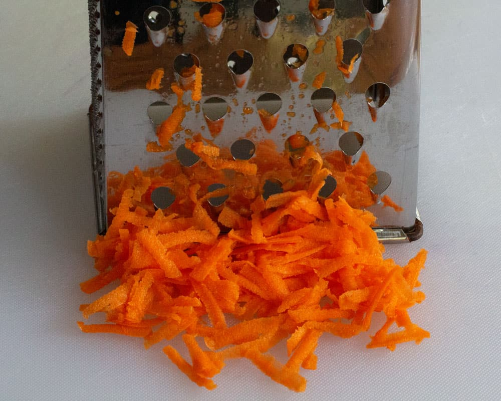 grating carrot with box grater