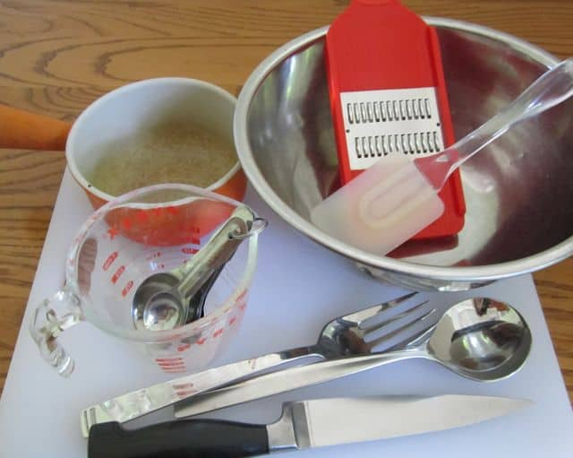 picnic, bar-b-cue, salad, cole slaw, utensils
