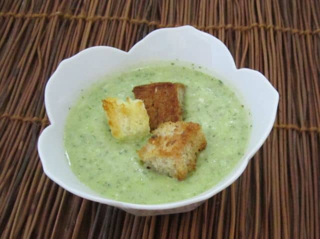 croutons, soup, easy recipe, hot weather food