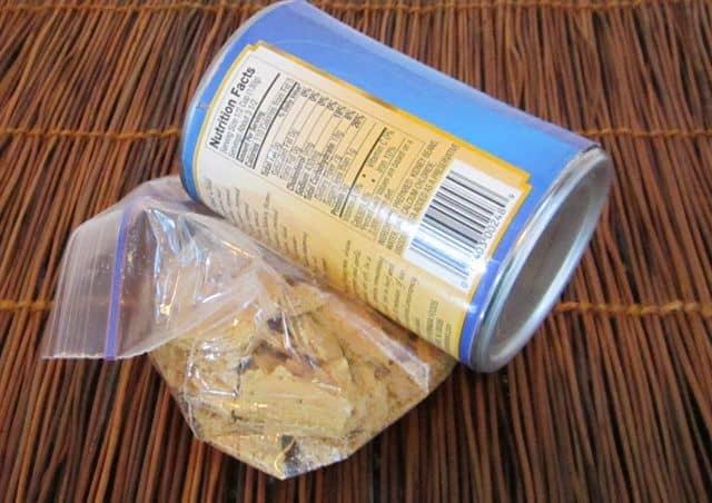 crushing graham cracker crumbs, making graham cracker crust for pie or cheesecake