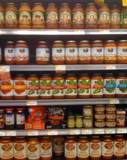 store-bought pasta sauce, choosing bottled spaghetti sauce, making spaghetti sauce, not from scratch sauce