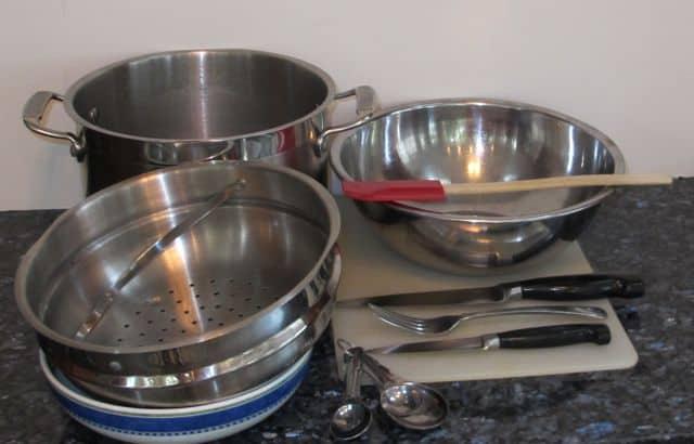equipement and utensils to make potato salad
