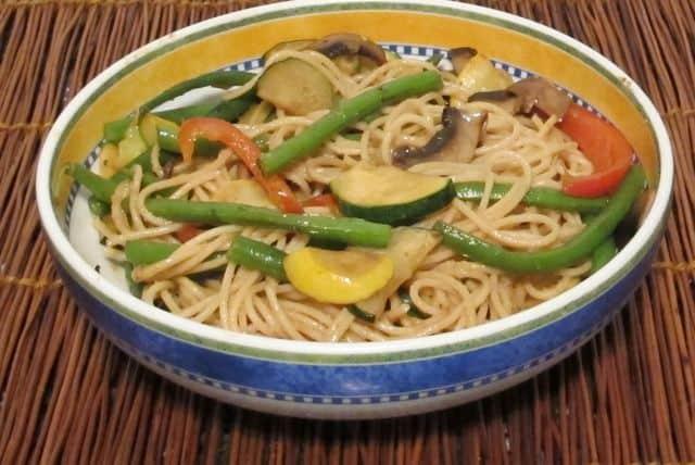 stir fry begetables with peanut noodles, Dan Dan noodles, Sichuan noodles