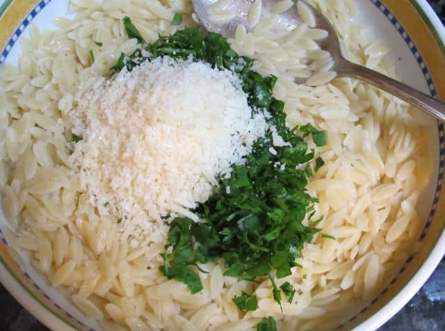 add parsley, butter and cheese to orzo pasta