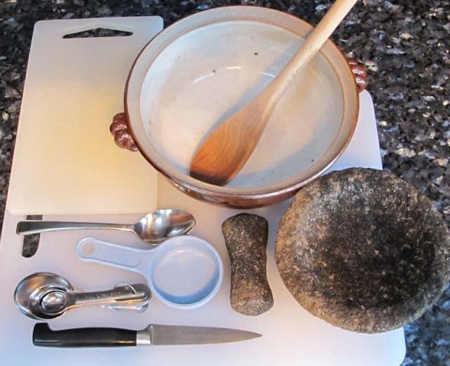 equipment to make guacamole