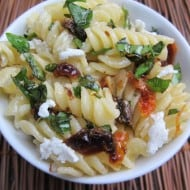 Basil, Sun-Dried Tomato & Goat Cheese Pasta