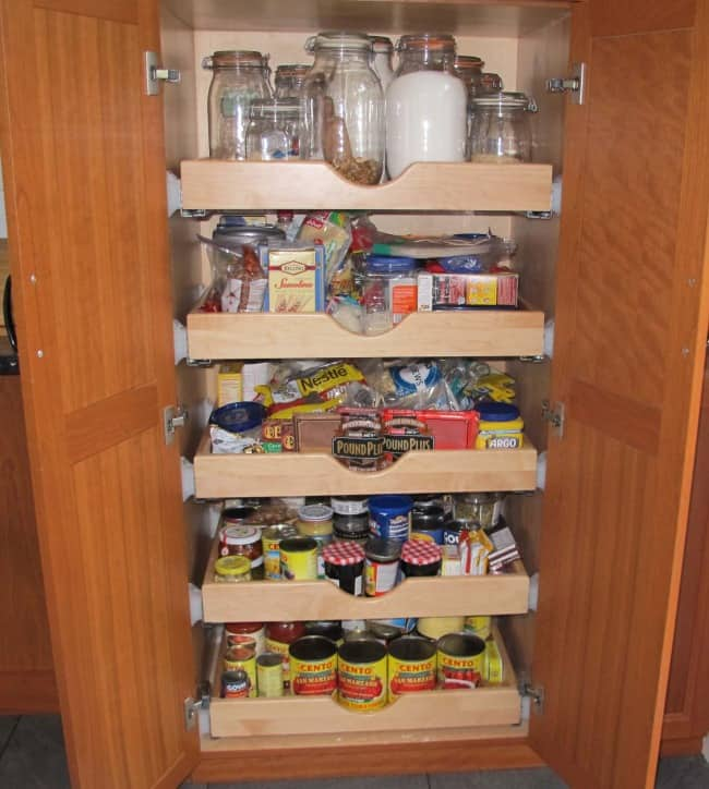 what to keep in pantry