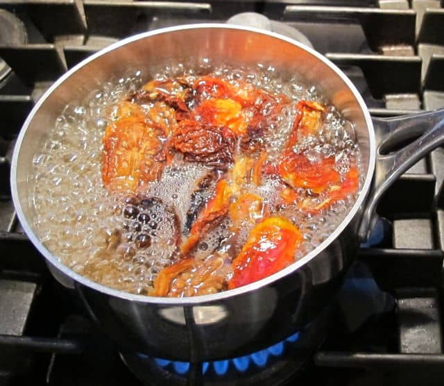 Cooking sun-dried tomatoes