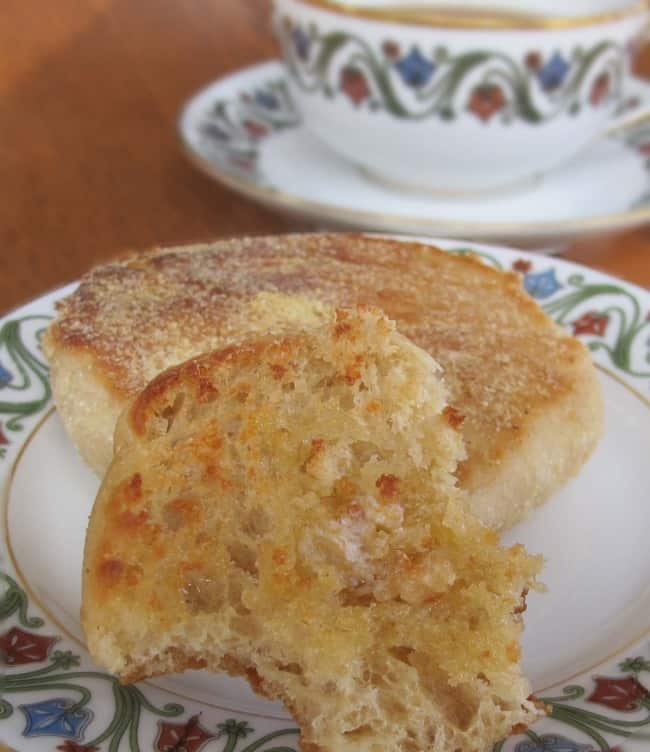 how to make crumpets of English muffins