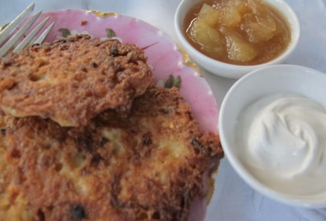 serving sour cream and applesauce with latkes
