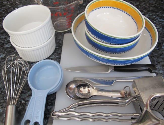Equipment to make single serving mac 'n cheese.