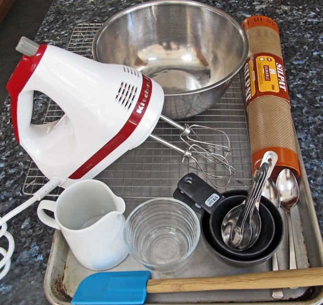 equipement for baking macaroons