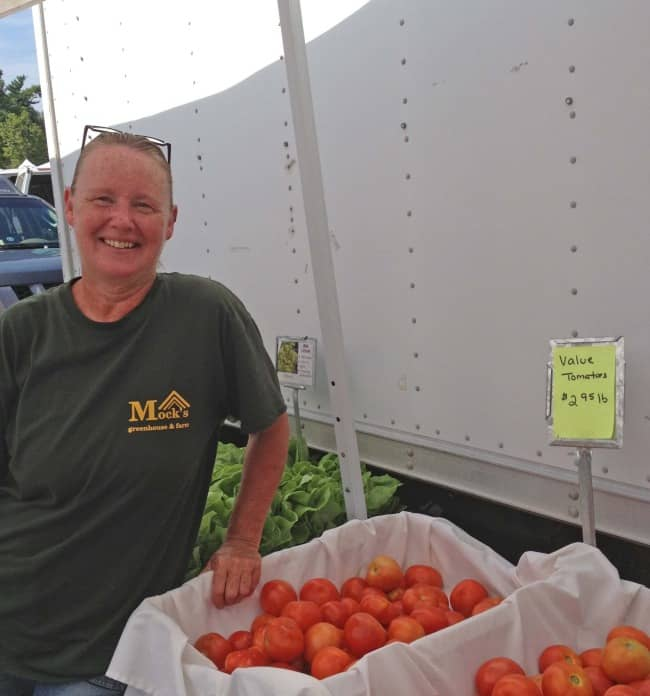 value tomatoes at the farmers market