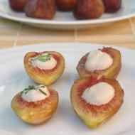 Quick and Delicious Appetizer – Figs with Balsamic Cream