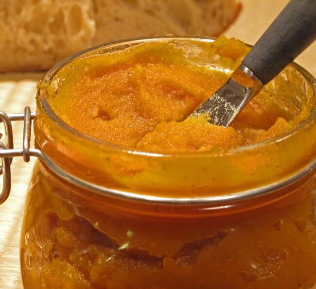 homemade-pumpkin-butter-in-jar