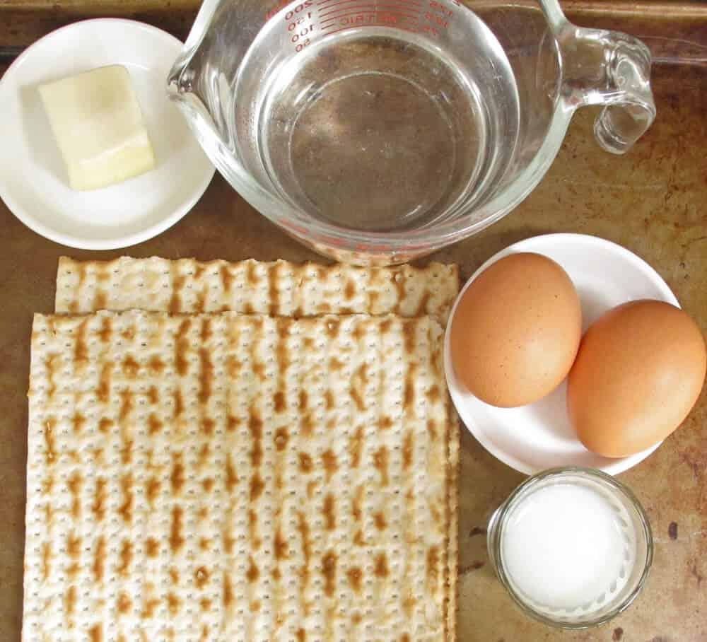 Ingredients for matzo brei