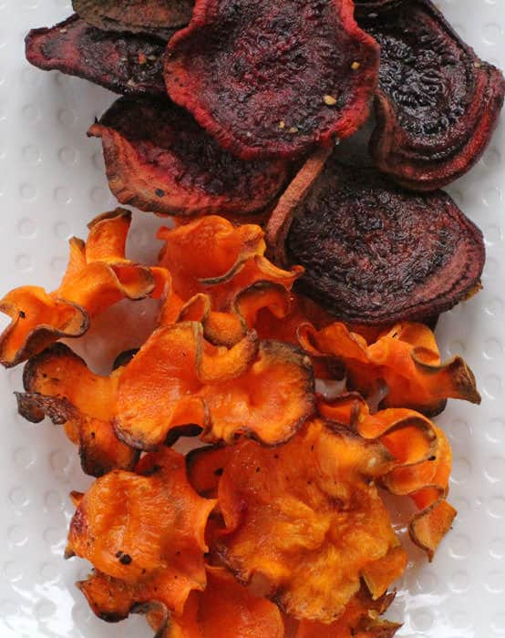 Aren't these crispy baked vegetable chips pretty? | Mother Would Know