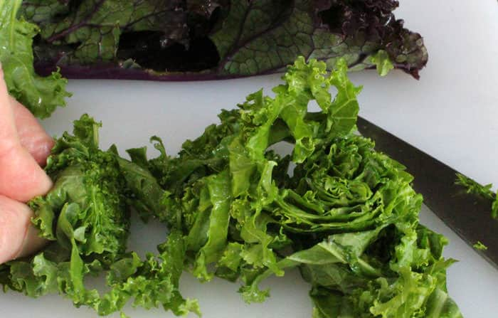How to slice raw kale for salad | Mother Would Know