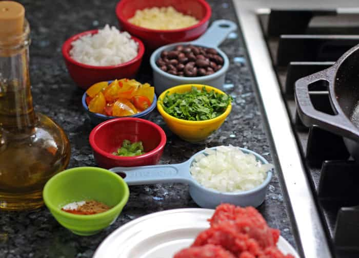 mise en place means getting organized to cook