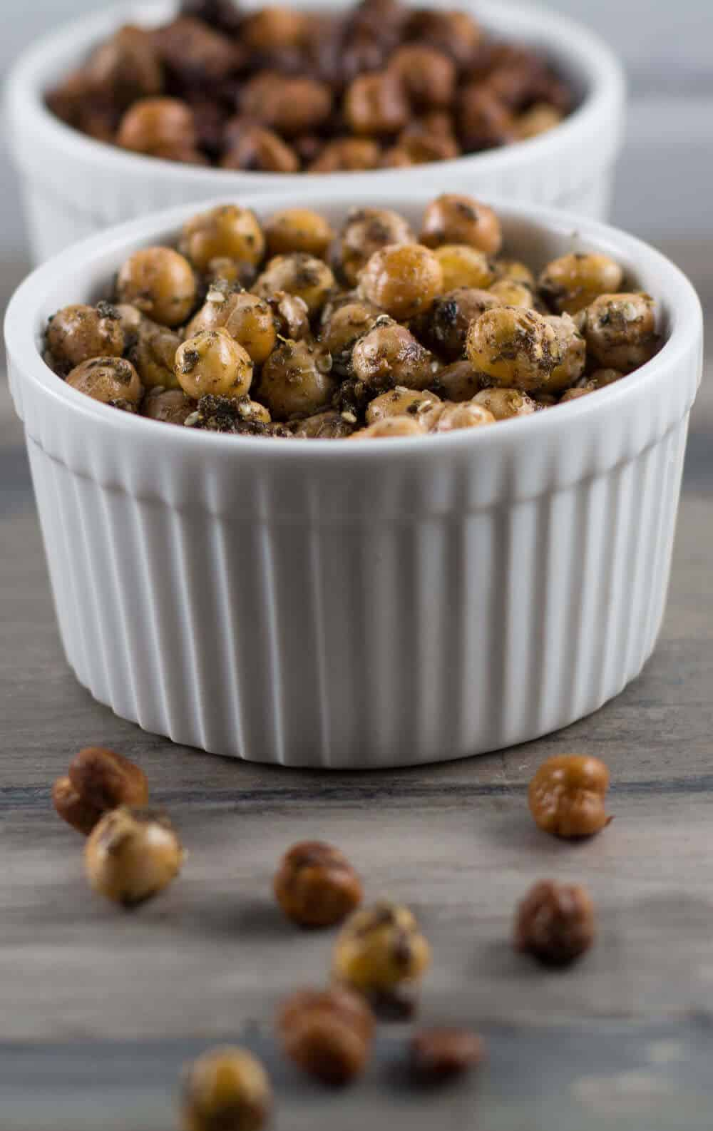 Enjoy oven-roasted chickpeas with za'atar, a Middle Eastern spice blend. | Mother Would Know
