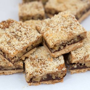 Derby pie shortbread bars scattered