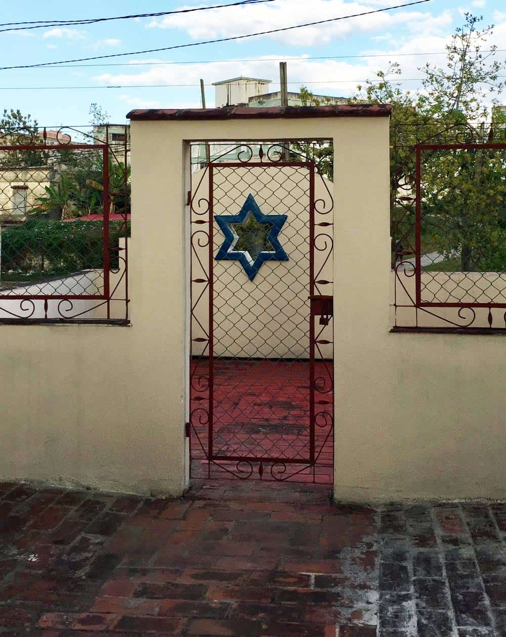 Gate in Cuba with Jewish star