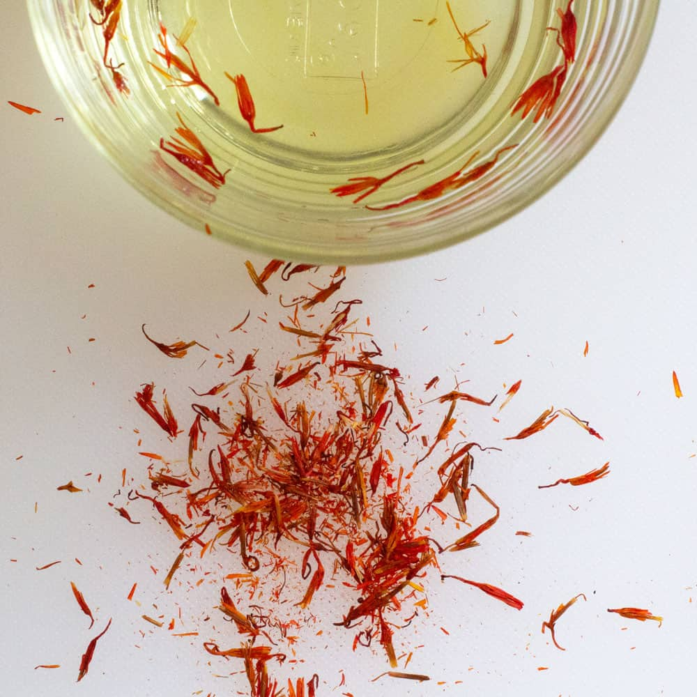 "close-up of fake Hungarian ""saffron"""