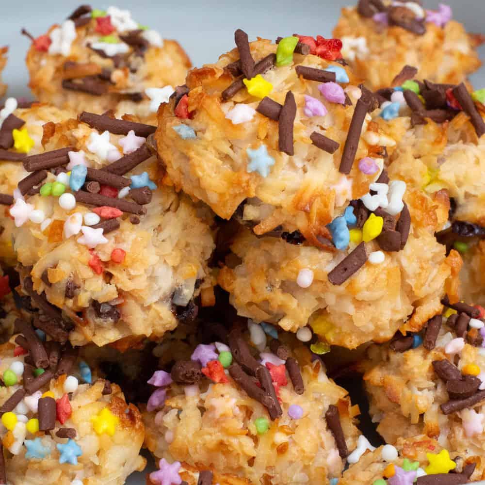 pile of sprinkle macaroons