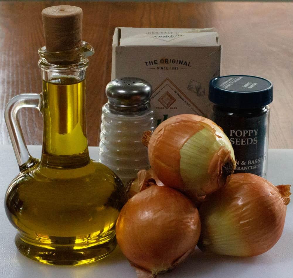 ingredients for pletzel topping